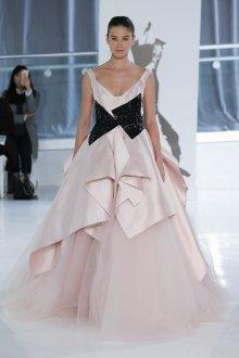 Свадебное платье 2020 из атласа асимметричное