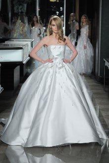 Свадебное платье 2019 атласное со стрекозами