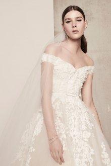 Свадебное платье 2019 с фатой