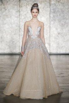 Свадебное платье 2019 с кристаллами