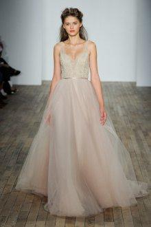 Свадебное платье 2019 нюдовое