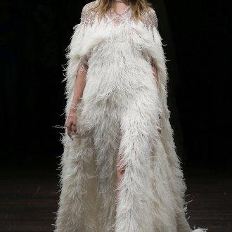 Свадебное платье 2020 с перьями