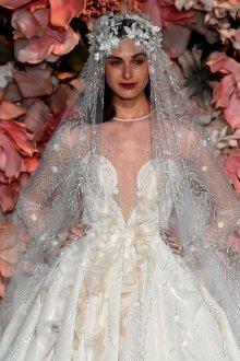 Свадебное платье 2020 с вышивкой на фате