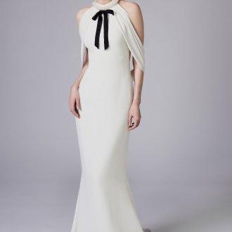 Свадебное платье 2019 с жемчугом на горле