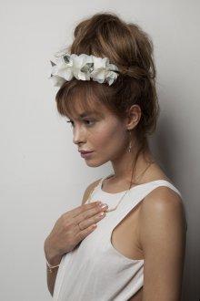Свадебная прическа 2019 с челкой