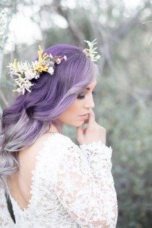 Свадебная прическа 2019 на цветные волосы
