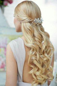 Свадебная прическа 2018 на длинные волосы для блондинок
