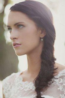 Свадебная прическа 2019 на длинные волосы для брюнеток