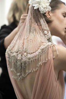 Свадебная прическа 2019 на короткие волосы с фатой