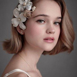Свадебная прическа 2018 на короткие волосы каре