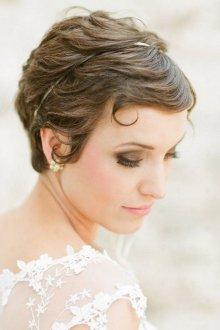 Свадебная прическа 2018 на короткие волосы укладка