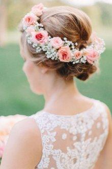 Свадебная прическа 2019 на средние волосы бохо