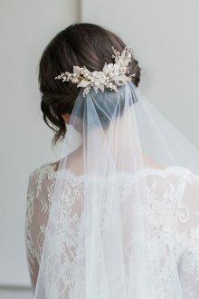 Свадебная прическа 2018 на средние волосы с фатой