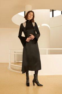 Платье футляр с рукавом черное