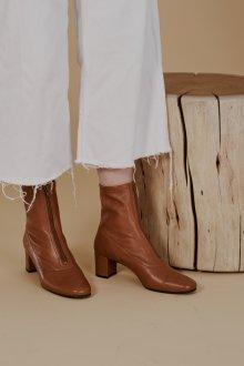 Коричневые ботинки на молнии