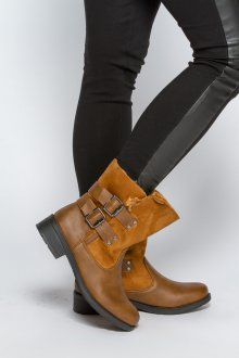Коричнево-желтые ботинки