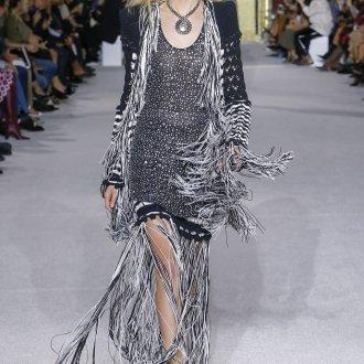 Платье вязаное с бахромой