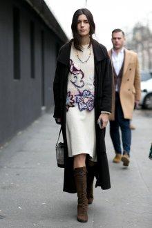 Платье вязаное с цветами