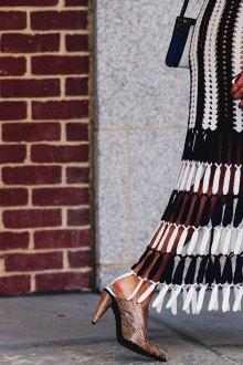 Платье вязаное монохромное