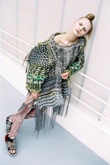 Платье вязаное оверсайз с бахромой