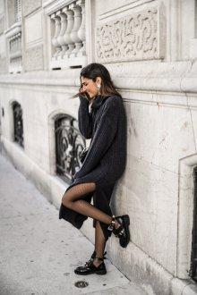 Платье вязаное с разрезом