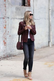 Бордовая сумка с курткой