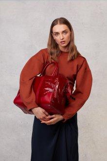 Бордовая сумка лаковая