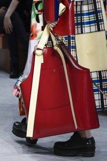 Бордовая сумка необычная