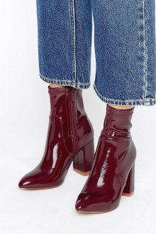 Бордовые ботинки лаковые