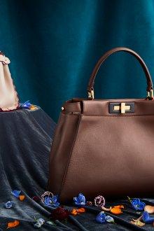 Классическая сумка Fendi коричневая