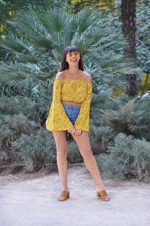 Лонгслив женский летний желтого цвета