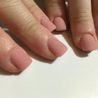 Матовый маникюр на квадратные ногти