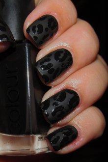 Матовый маникюр леопардовый