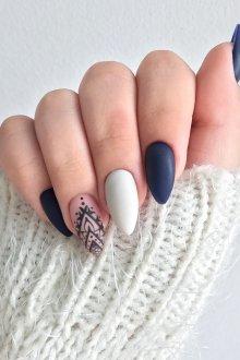 Матовый маникюр на миндальные ногти