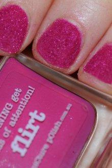Бархатный маникюр розовый
