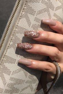 Золотой маникюр на длинные ногти