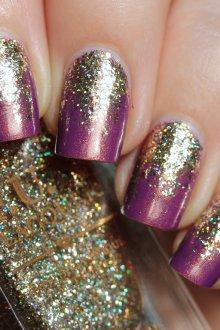 Золотой маникюр фиолетовый
