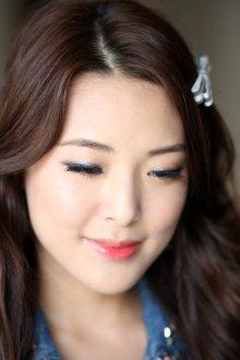 Корейский макияж серый
