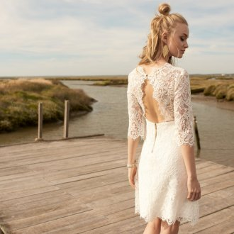 Свадебное платье с разрезом кружевное