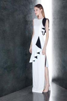 Платье с разрезом асимметричное