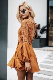Платье с открытой спиной бохо