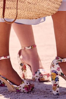 Туфли вечерние с цветами