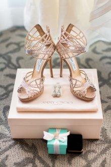 Туфли вечерние с украшением