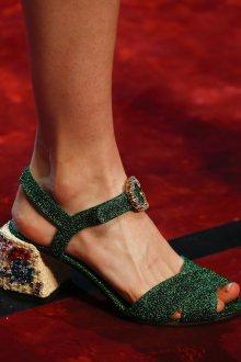 Туфли вечерние зеленые блестящие