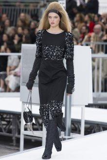 Платье шанель черное с декором