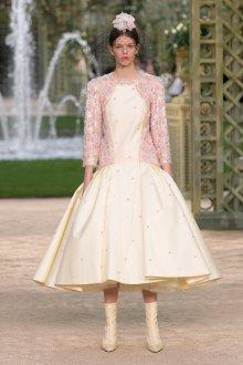 Платье шанель с декором