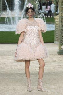 Платье шанель свадебное с перьями