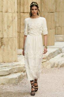 Платье шанель свадебное с розами