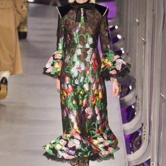 Платье с принтом цветочным