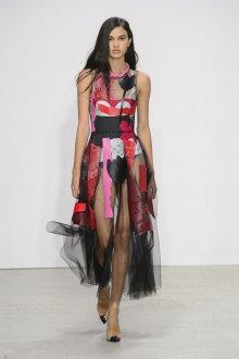 Платье с принтом крупным абстрактным